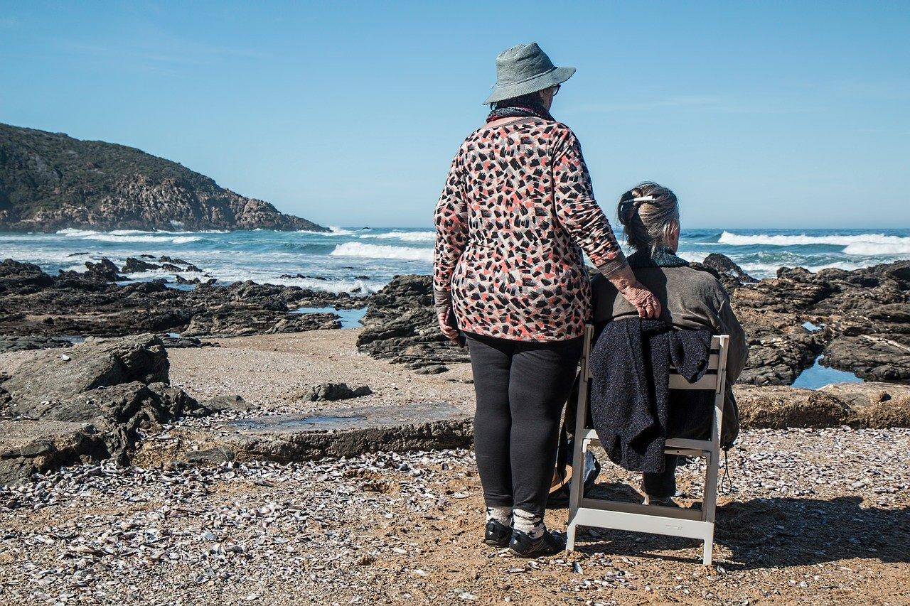 Pourquoi opter pour une culotte anti fuite urinaire pour les seniors?