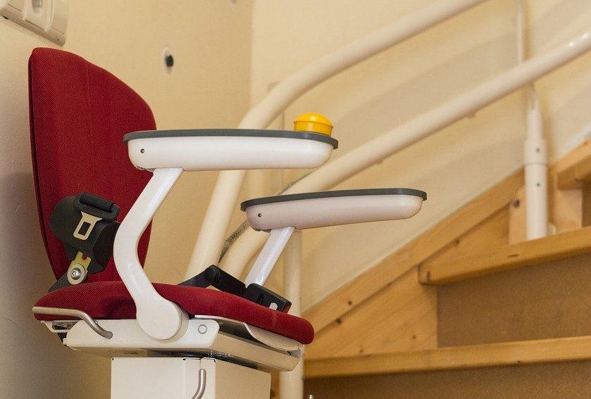 Importance du monte-escalier pour les personnes âgées