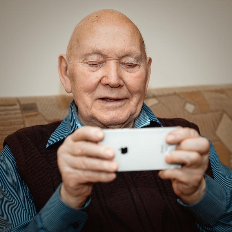Pourquoi les séniors ne sont pas séduits par les tablettes ?